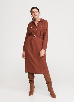 Платье с поясом reserved