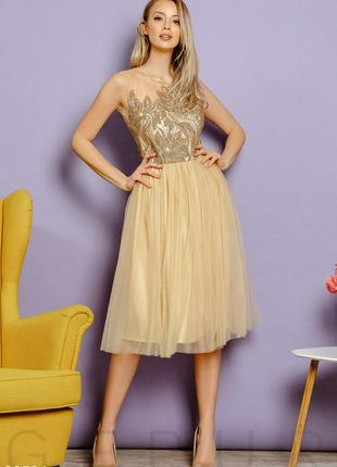Вечернее платье с пайетками