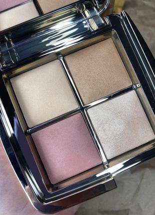 Палетка для лица hourglass ambient sculpture mini unlocked holiday 2020