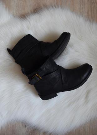 Полусапожки clarks ботинки сапоги