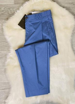 Актуальные голубые брюки от zara