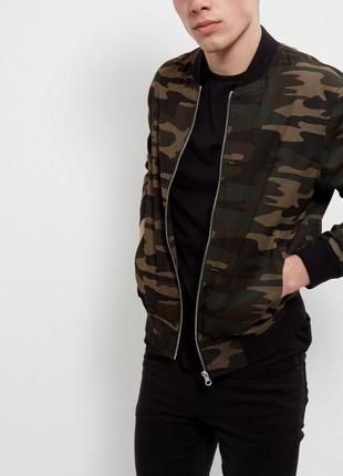 Коттоновый - бомбер последняя коллекция new look men ® bomber jacket (camo)
