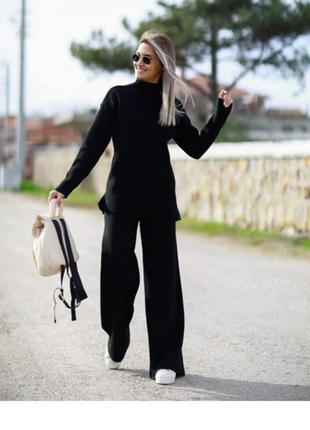 Костюм з брюками палацо