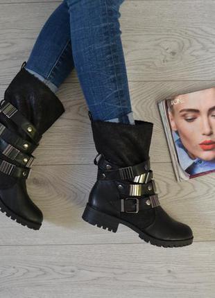 Стильные сапоги ботинки