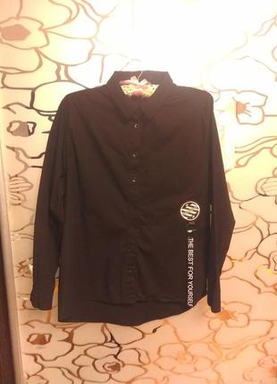 Стильная черная рубашка