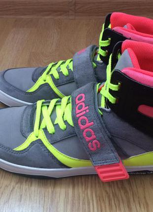 Кожаные кроссовки adidas space diver 2 оригинал в отличном состоянии