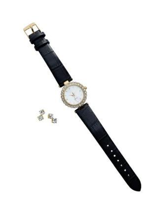 Набір: годинник і сережки