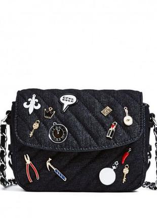 Джинсовая сумка zara с нашивками значками патчами кросс-боди через плечо