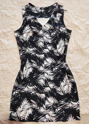 Платье в листья