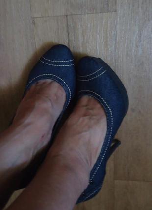 Фирменные джинсовые туфли