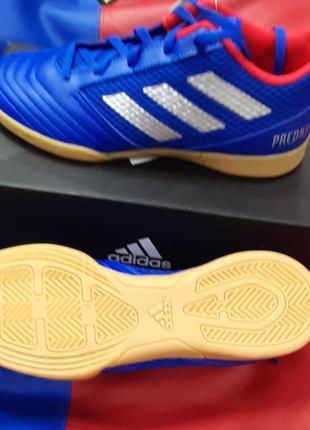 Дитячі футбольні бутси для зала adidas predator 19.4 sala cm8551