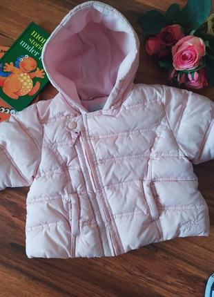 Модная теплая оверсайз куртка на милашку next на 6-9 месяцев.