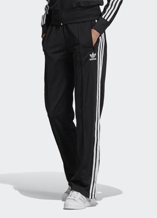 Черные женские теплые спортивные штаны брюки лампасами полосками карманами прямые флисе