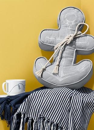 Подушка якорь в морском стиле от tcm tchibo