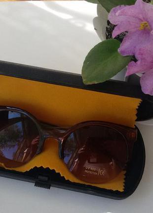 Очки солнцезащитные кошечки коричневые в наличии
