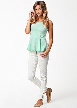 Невероятная милейшая блуза топ с баской мятного цвета only