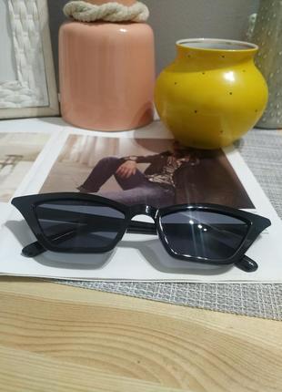 Тренд 2021 черные узкие очки имиджевые солнцезащитные лисички ретро окуляри чорні вузькі9 фото