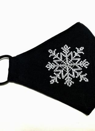 Маска для лица. вышивка. снежинка.