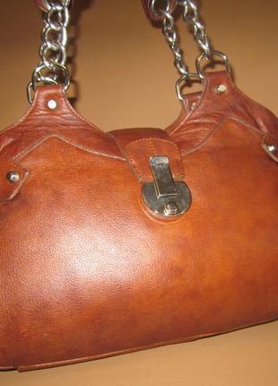 Брендовая кожаная сумка английского бренда river island