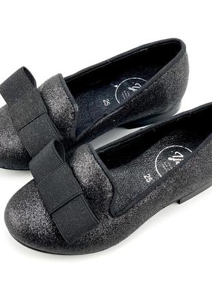 Кожаные туфельки для девочки young elegant peopl