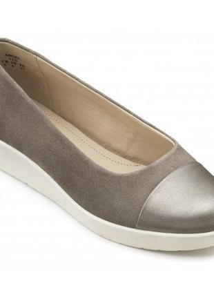 Красиві шкіряні замшеві туфлі hotter