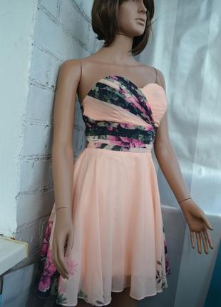 Шикарное вечернее коктейльное платье в цветочный принт