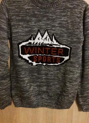 Зимний вязаный свитер