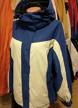 Женская горнолыжная куртка размер м