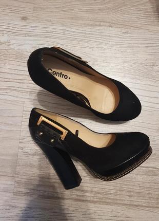Замшевые туфли на каблуке centro