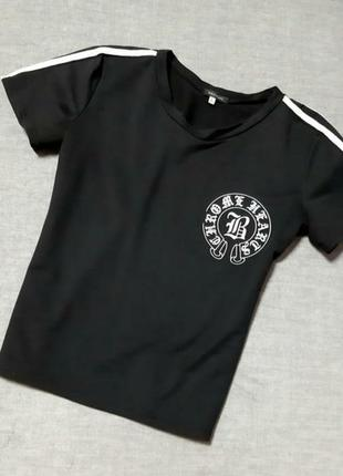 Футболка черная с логотипом