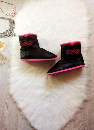 Черные средние высокие угги розовым мехом кожаные сапоги блестящие турция