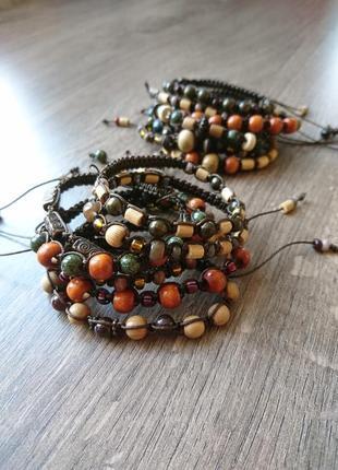 Тонкие плетеные трендовые браслеты на затяжке из бусин на маленькую руку в ассортименте