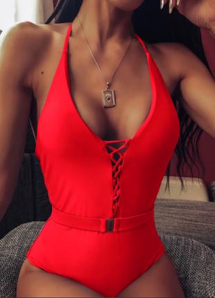 Сдельный купальник  женский с поясом красный s/m/l