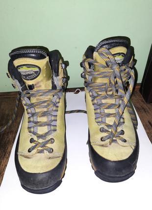 Тренинг  трекинговые ботинки натуральная кожа технология gore-tex