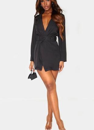 Черное платье-пиджак с длинным рукавом