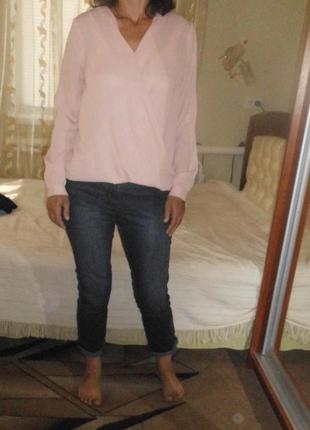 Классные укороченые джинсы с высокой посадкой