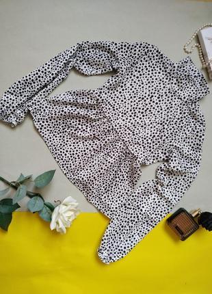 Блуза в горошек с объемными рукавами