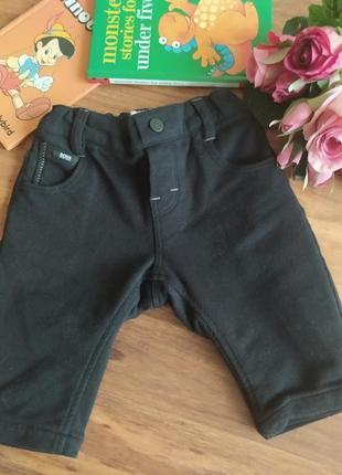 Модные трикотажные штанишки, брюки hugo boss на 3 месяца.