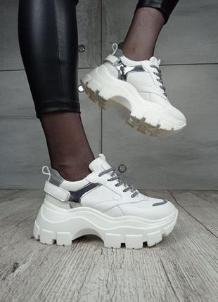 Женские весенние кроссовки платформа