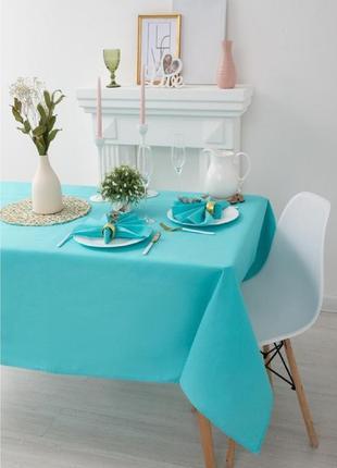 Красивая нарядная скатерть на стол, мятного цвета