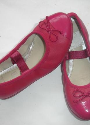 Фирменные сlarks кожаные туфли балетки на 28 размер в идеале