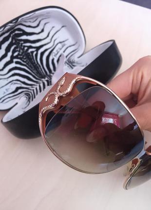 Солнцезащитные очки футляр roberto cavalli оригинал куплені в оптиці в києві
