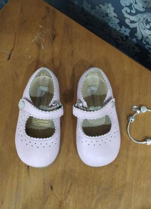 Туфли,туфельки, сандали,тапочки,обувь для девочки