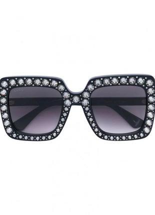 Чёрные большие солнцезащитные очки gucci со стразами