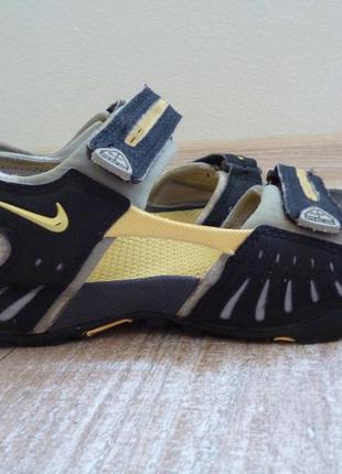 Спортивные сандалии nike