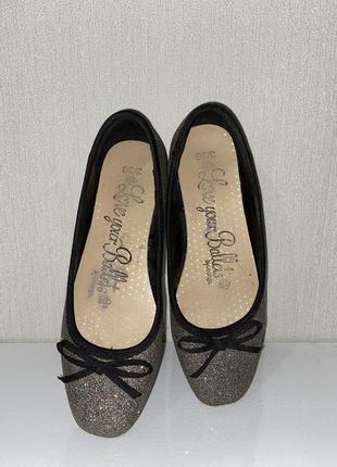 Серебряные туфли балетки для девочки. серебряные  блёстки.
