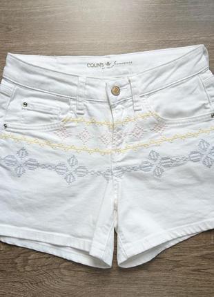 Белые джинсовые шорты colin`s в орнаментах в отличном состоянии размер между xs и s