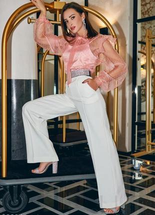 Блуза нежного персикового цвета с воздушными рукавами
