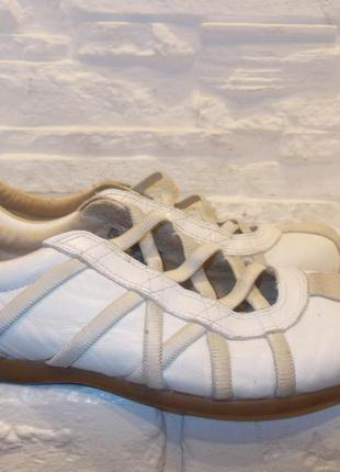 Кроссовки мокасины р.37 стелька 24 см брендовые кеды туфли спортивные