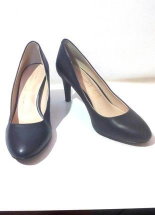 Стильные кожаные туфли от бренда autograph, р.37-37,5 код t3786